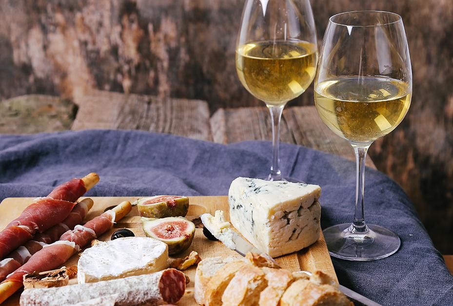 Как да комбинираме вино и сирене